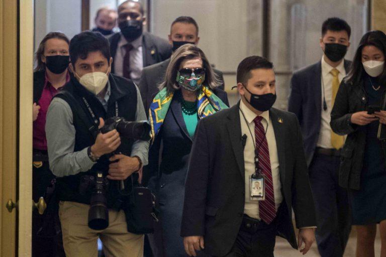 Ο Μπάιντεν ρίχνει 1,9 τρισ. δολάρια στην αμερικανική οικονομία για την ανάκαμψη από την πανδημία