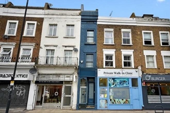 Το στενότερο σπίτι του Λονδίνου πωλείται για πάνω από 1 εκατ. ευρώ