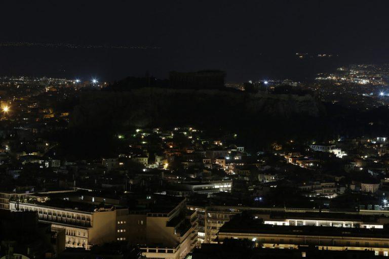 «Ώρα της Γης»: Κτίρια και μνημεία σε πόλεις σε όλο τον κόσμο έκλεισαν για μια ώρα τα φώτα