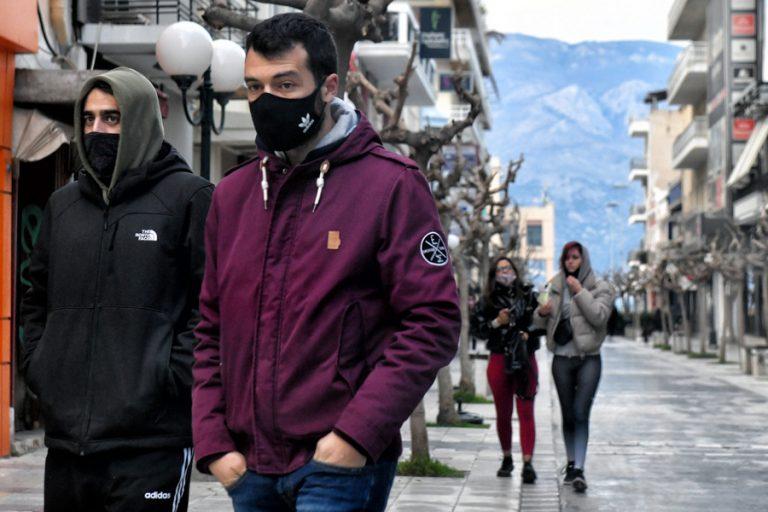Αθ. Λινού: Πρέπει να επαναφέρουμε τη χρήση μάσκας παντού- «Τεράστιος» ο δείκτης θετικότητας