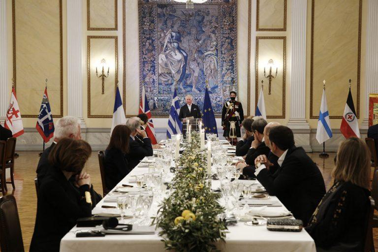 Το επίσημο δείπνο στο Προεδρικό Μέγαρο: «Η κληρονομιά του 1821 δεν είναι μόνο ελληνική»