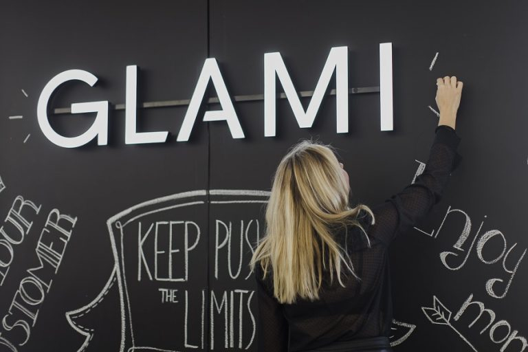 Για το GLAMI κάθε μέρα είναι Διεθνής Ημέρα της Γυναίκας