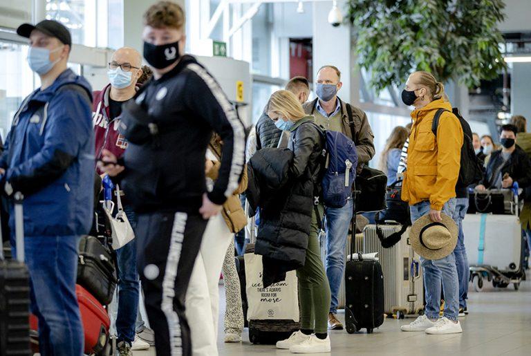 Στη Ρόδο οι 189 Ολλανδοί τουρίστες των «πειραματικών» διακοπών