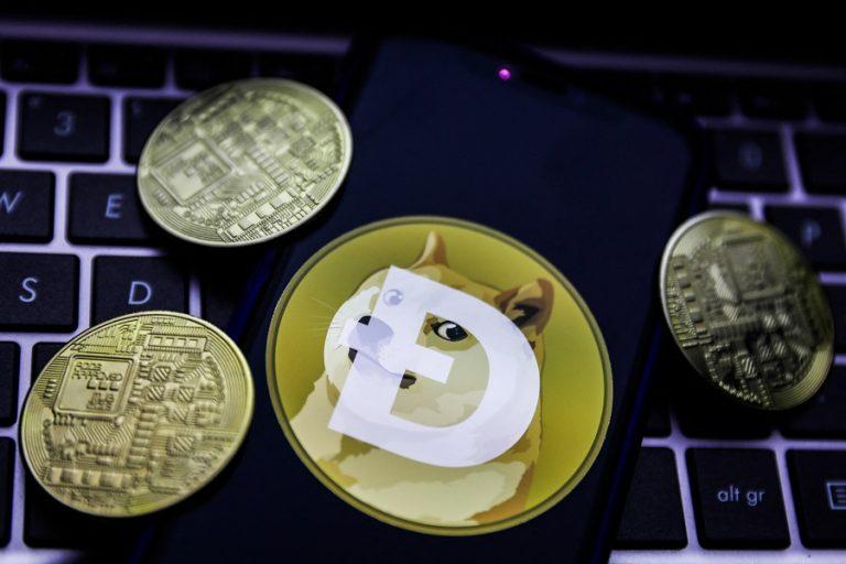 Ράλι 11.000% για το Dogecoin – Οι λόγοι που το καθιστούν το πιο κερδοσκοπικό κρυπτονόμισμα