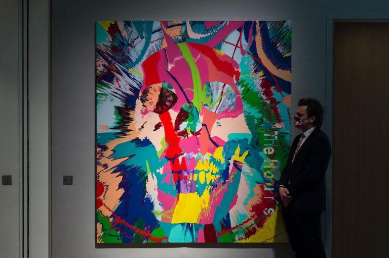Ο Damien Hirst με 10.000 έργα σε πλατφόρμα τύπου NFT