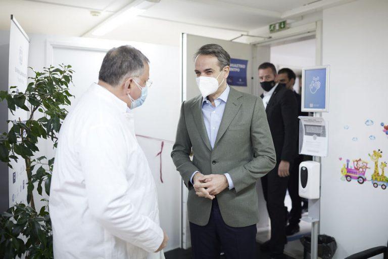 Μητσοτάκης: Ως τις αρχές Μαΐου θα έχουν εμβολιαστεί όλοι οι πολίτες άνω των 60 ετών