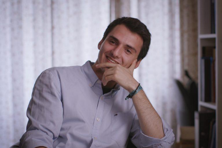 Ιάσων Χατζηκώστας: Ο νέος επιχειρηματίας που «ταξίδεψε» με την εφαρμογή του σε ντοκιμαντέρ του National Geographic