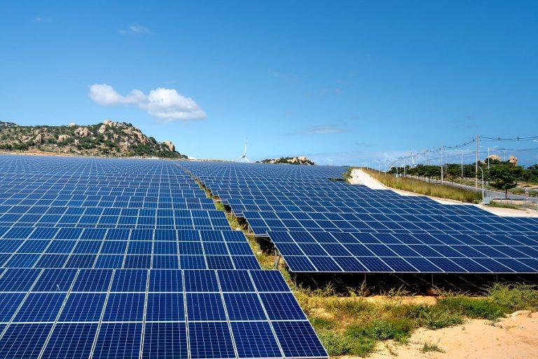 Σε ιστορικό χαμηλό οι τιμές ΑΠΕ- Στα 33 ευρώ ανά MWh για νέα φωτοβολταϊκά