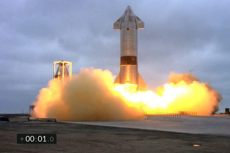 Απογειώθηκε ο πύραυλος Falcon 9 της SpaceX στην 1η διαστημική αποστολή με ερασιτέχνες αστροναύτες