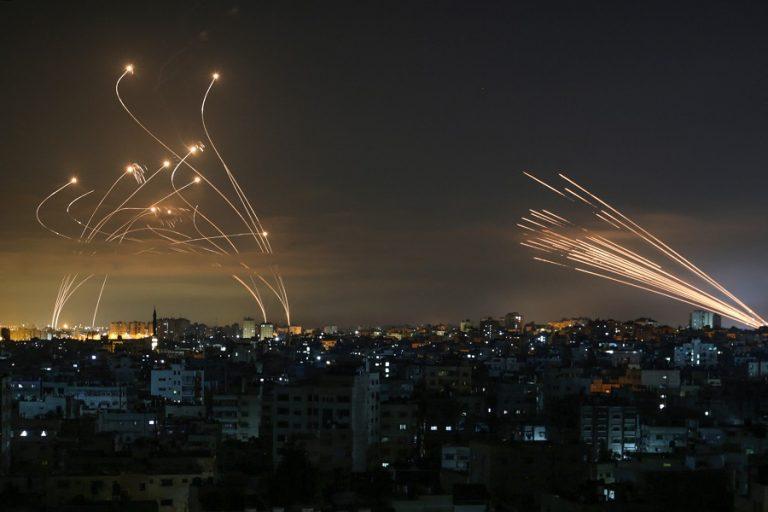Γάζα: Τουλάχιστον 1.750 επιθέσεις της Χαμάς εναντίον πόλεων του Ισραήλ σε τέσσερις ημέρες