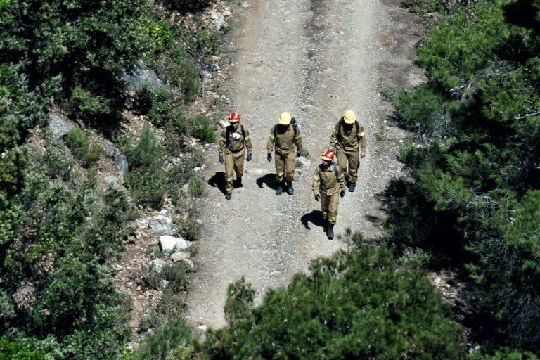 «Θέμα χρόνου να δοθεί και επίσημα σε ύφεση η πυρκαγιά στα Γεράνεια Όρη», σύμφωνα με την Πυροσβεστική