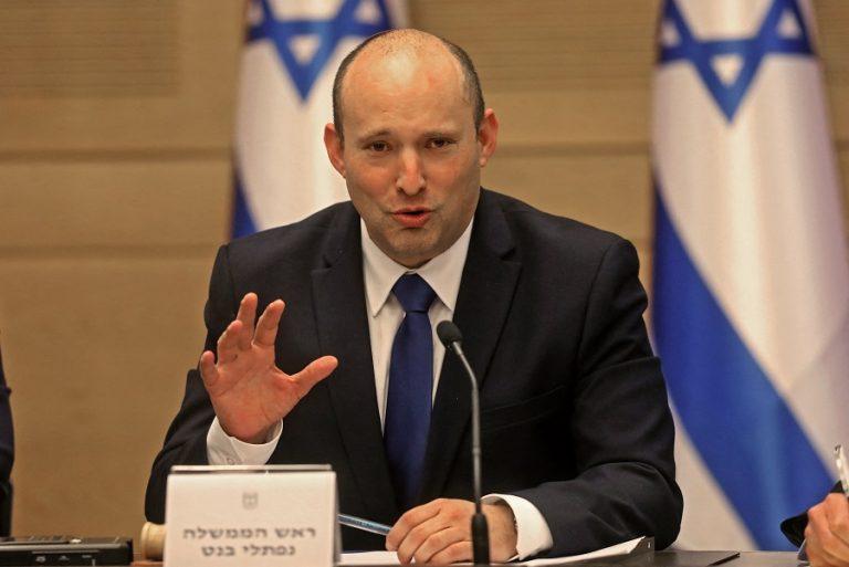 Ο Ναφτάλι Μπένετ ορκίζεται πρωθυπουργός του Ισραήλ- Τίτλοι τέλους για την «εποχή» Νετανιάχου
