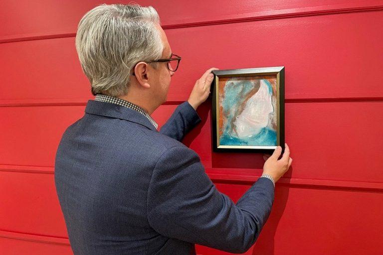 Πίνακας του Ντέιβιντ Μπόουι, που είχε αγοραστεί μόλις 5 δολάρια, πουλήθηκε έναντι 108.000 δολαρίων