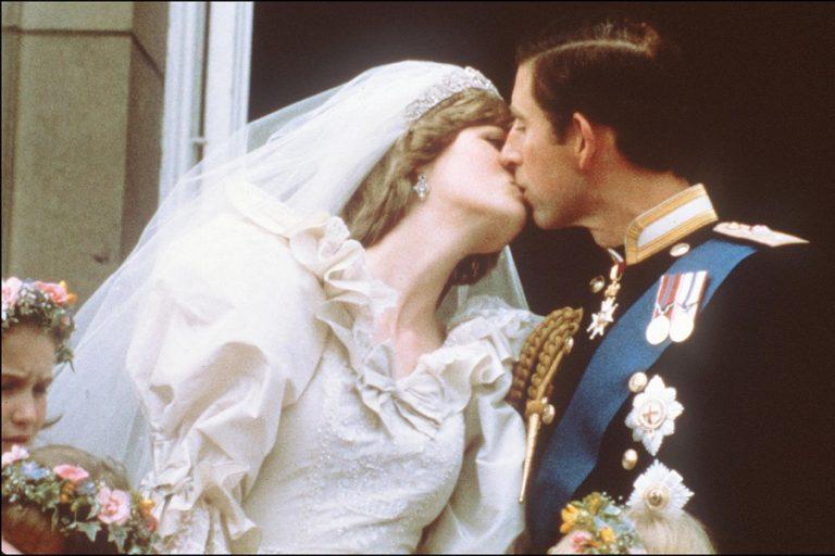 Το νυφικό της πριγκίπισσας Νταϊάνα σε νέα έκθεση στο Παλάτι του Κένσινγκτον