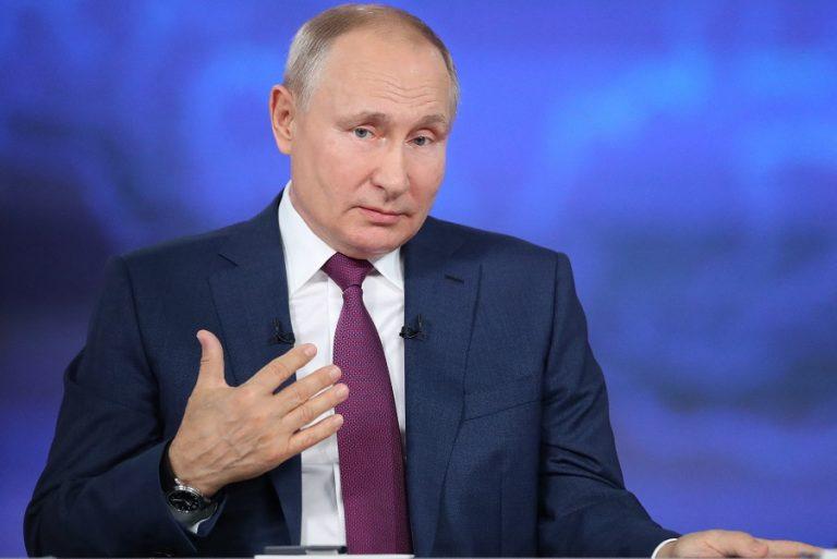 Ο Πούτιν είπε ότι έλαβε το εμβόλιο Sputnik V χωρίς κανείς να το γνωρίζει μέχρι σήμερα