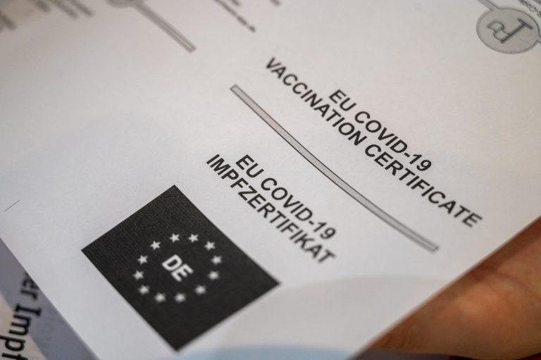 Έπεσαν οι υπογραφές για το ευρωπαϊκό ψηφιακό πιστοποιητικό Covid