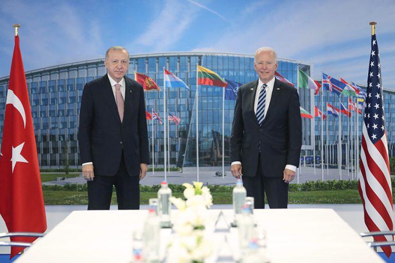 Αμετανόητος ο Ερντογάν για τους S-400 ακόμη και στη συνάντησή του με τον Μπάιντεν