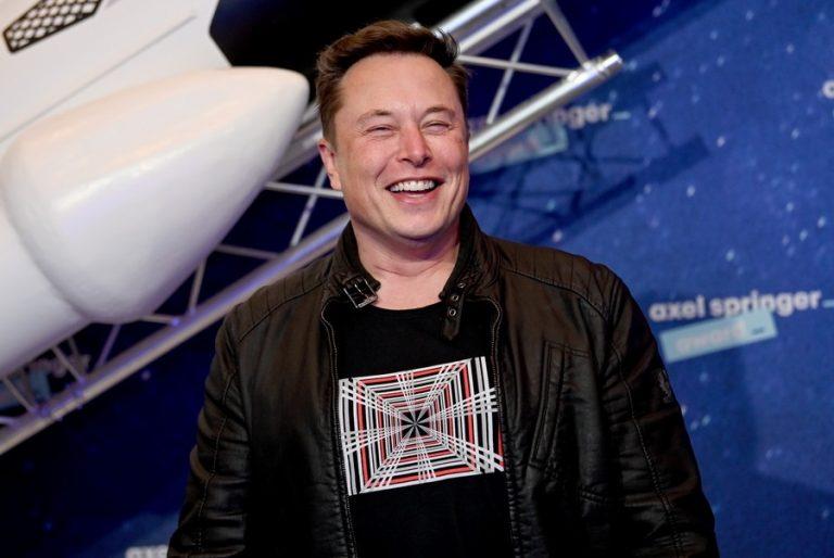 Το πιο γρήγορο αυτοκίνητο της Tesla παρουσίασε ο Έλον Μασκ (Βίντεο)