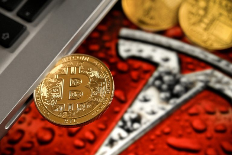 Το κραχ του Bitcoin …εξαέρωσε τα κέρδη που είχε συσσωρεύσει η Tesla από το ποντάρισμά της στο γνωστό κρυπτονόμισμα