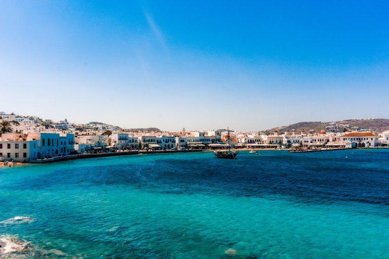 Η Ελλάδα μεταξύ των πέντε κορυφαίων χωρών με «εξαιρετικής ποιότητας» ύδατα κολύμβησης