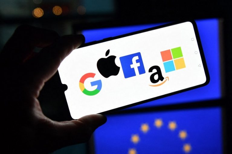 Η Google και η Microsoft έβαλαν τέλος στην πενταετή ανακωχή τους