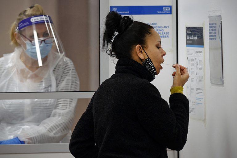 Περισσότερα δωρεάν τεστ στην Ευρώπη ζητά ο ΠΟΥ στη σκιά της εξάπλωσης της μετάλλαξης Δέλτα