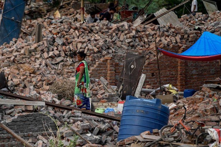 Σε τουλάχιστον 127 νεκρούς ανήλθε ο απολογισμός των φονικών μουσώνων στην Ινδία