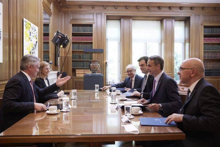 Οι προκλήσεις της οικονομίας και οι στόχοι για την επιστροφή στην ανάκαμψη στη συνάντηση Μητσοτάκη-Κόρμαν