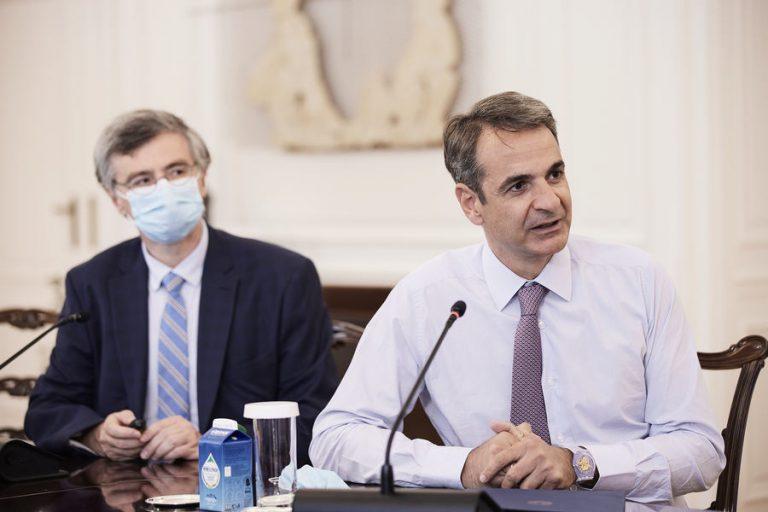 Νέο επιχειρησιακό σχέδιο ελέγχων και κυρώσεων για την πανδημία προανήγγειλε ο πρωθυπουργός