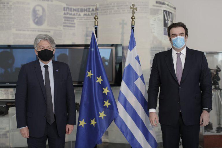 Πιερρακάκης- Μπρετόν: «Διαβατήριο ελευθερίας» το ψηφιακό πιστοποιητικό
