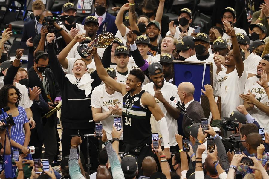 Εκπληκτικός Αντετοκούμπο με 50 πόντους: Οι Μπακς πρωταθλητές του NBA | Fortunegreece.com
