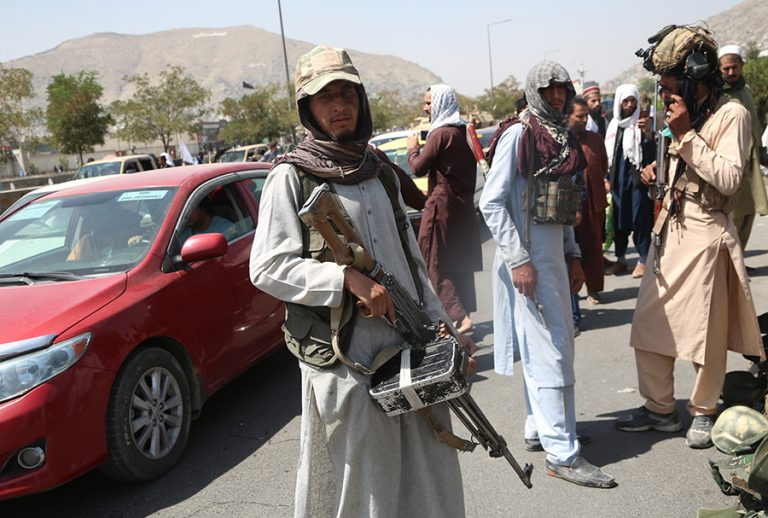 Αφγανιστάν: Η UNESCO ζητά την επιστροφή στις τάξεις των κοριτσιών