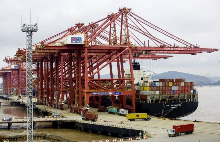 «Λουκέτο» στο τρίτο μεγαλύτερο λιμάνι στον κόσμο για ένα μόνο κρούσμα