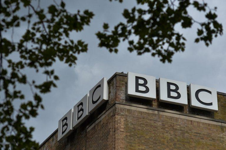 Αντιεμβολιαστές επιχείρησαν να εισβάλουν σε στούντιο του BBC