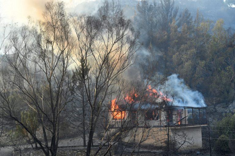 Μέτρα ανακούφισης και στήριξης των πληγέντων από τις πυρκαγιές- Όλη η ανακοίνωση του υπουργείου Οικονομικών