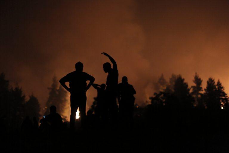 Τα έκτακτα μέτρα των τραπεζών για τόσους έπληξαν οι πυρκαγιές