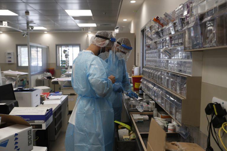 FT: Υποχωρούν τα κρούσματα κορωνοϊού στο μεγαλύτερο μέρος της Ευρώπης