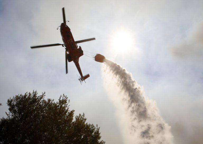 Δραματική η κατάσταση από την πυρκαγιά στα Βίλια, εκκενώθηκαν 5 οικισμοί και γηροκομείο