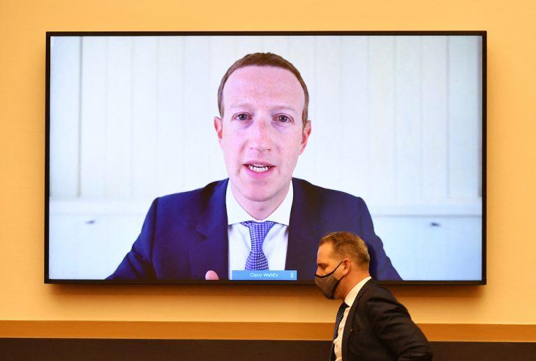 Τι μας κρύβει το Facebook: Δύο αποκαλυπτικές ιστορίες για τον τεχνολογικό κολοσσό