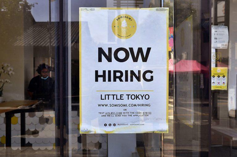 Έρχεται ντόμινο οικονομικών εξελίξεων μετά τη μεγάλη πτώση στις νέες θέσεις εργασίας των ΗΠΑ