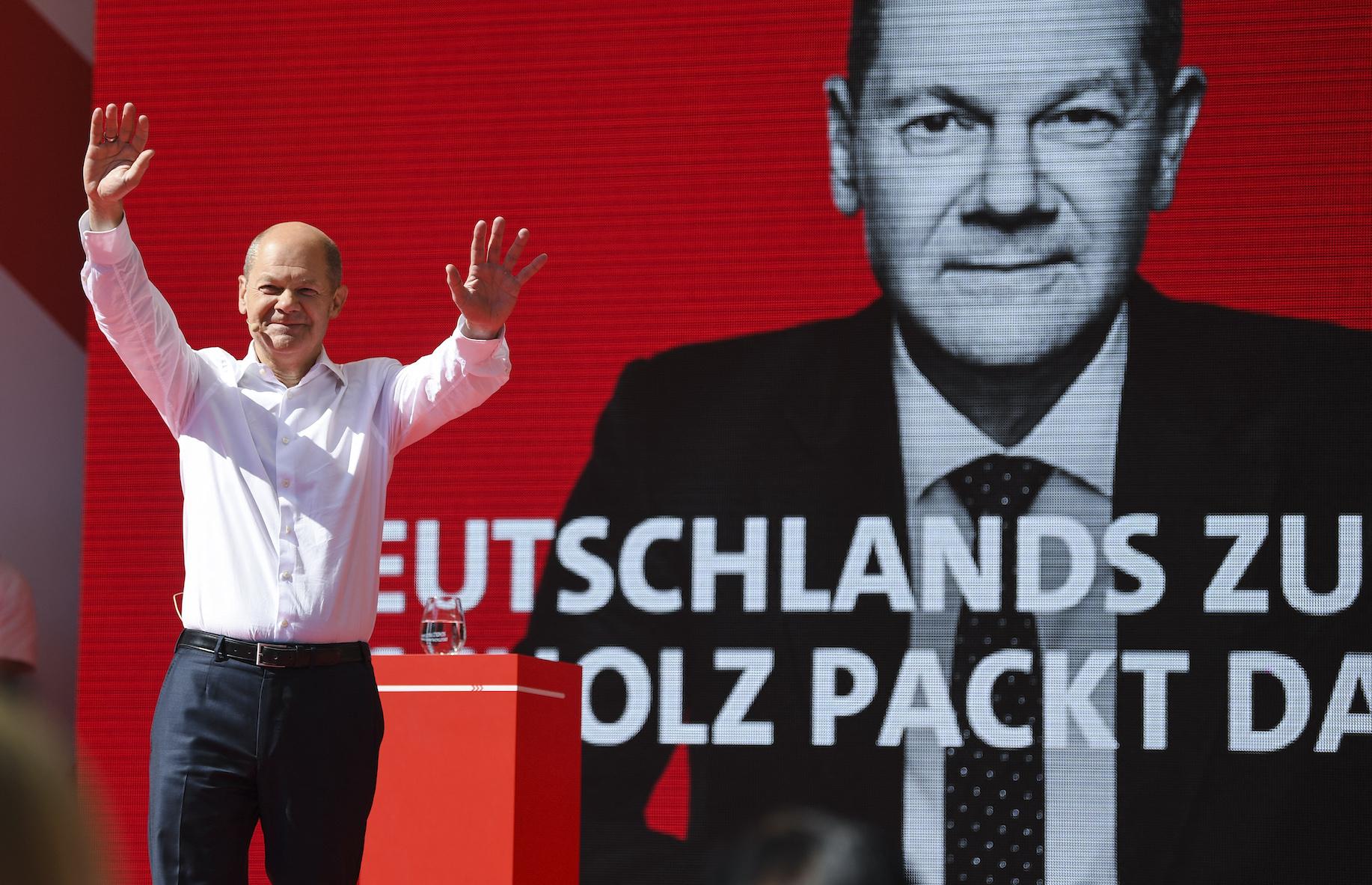 Γερμανία: Σταθερά πρώτος ο Σολτς του SPD - «Καρφιά» Σόιμπλε για Μέρκελ    Fortunegreece.com