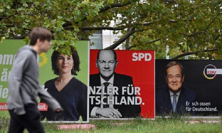 Aνοιχτές οι κάλπες στη Γερμανία- Aναποφάσιστο το 40% των ψηφοφόρων