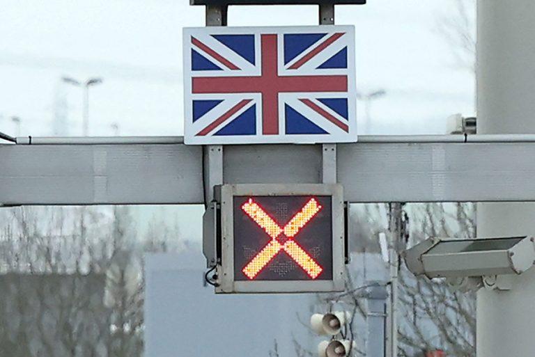 Περιθώριο δέκα ημερών στη Βρετανία για να σωθούν τα φετινά Χριστούγεννα