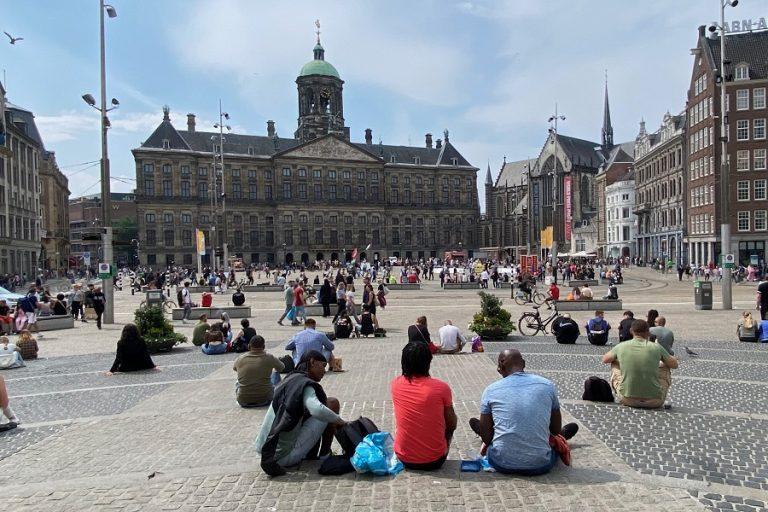 Παρά τις έντονες αντιδράσεις, η Ολλανδία θα εισαγάγει το υγειονομικό πιστοποιητικό