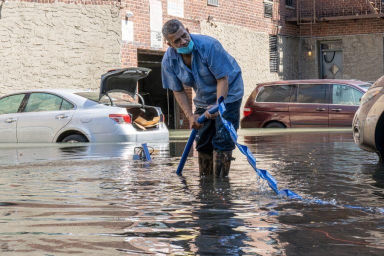 Στους 47 έφτασαν οι νεκροί στη Νέα Υόρκη από τον φονικό κυκλώνα Άιντα
