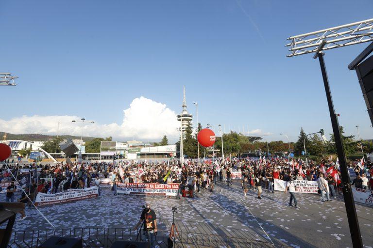 Μετωπική επίθεση της αντιπολίτευσης για τις αναγγελίες Μητσοτάκη στη ΔΕΘ