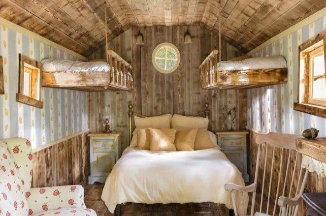 «Bearbnb»: Διαμονή στο σπίτι του Winnie the Pooh προσφέρουν Airbnb και Disney