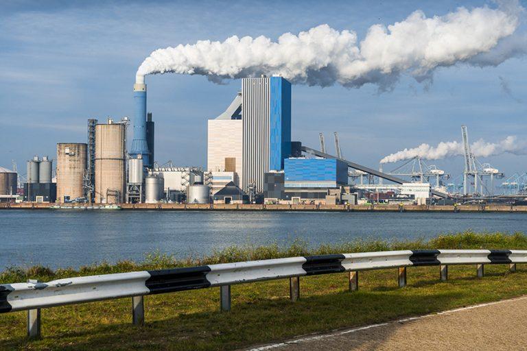 Η ενεργειακή κρίση στρέφει ακόμα και τις χώρες των «μηδενικών εκπομπών» στον άνθρακα