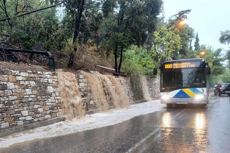 Άνοιξαν οι Λεωφόροι Κηφισού και Ποσειδώνος – Κλειστά τα σχολεία και οι δημόσιες υπηρεσίες